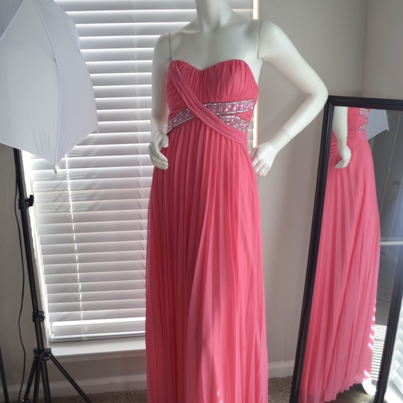 Junior Plus Size Pink Halter Prom Gown